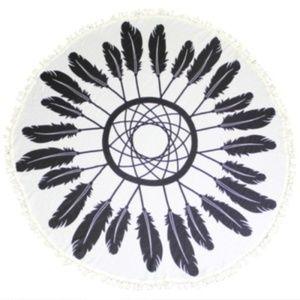 White & Black Feather Beach Towel Throw/Wrap